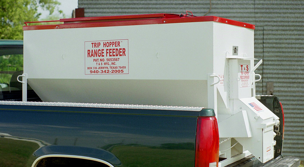 T&S Trip Hopper Range Cattle Feeder